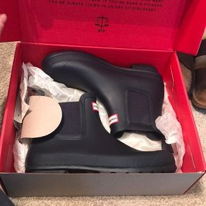 HUNTER Chelsea BOOTS Navy size 9